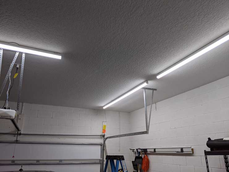 4' and 8' Hykolity garage lights