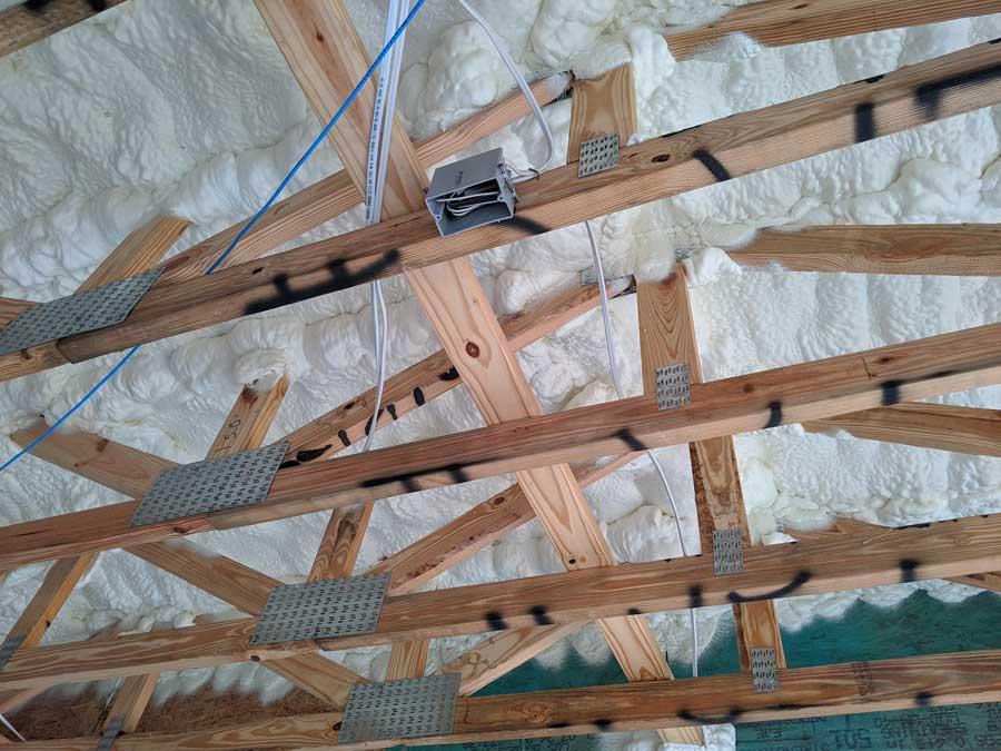 spray foam insulation on garage ceiling